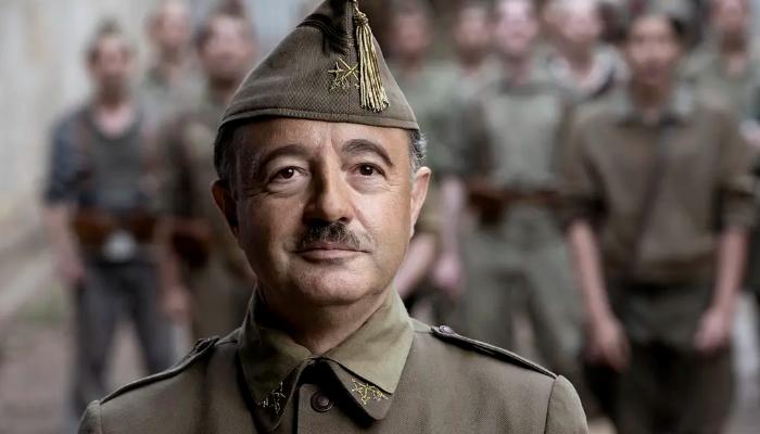 Mientras dure la guerra (While at War) movie short review