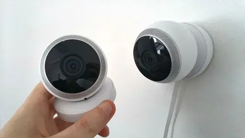 How do you know that your cameras, computers, speakers and home security system are hacked?