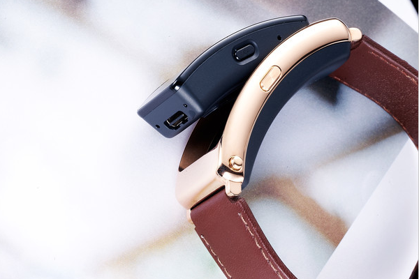 Huawei Talkband B6 review: more user friendly and practical