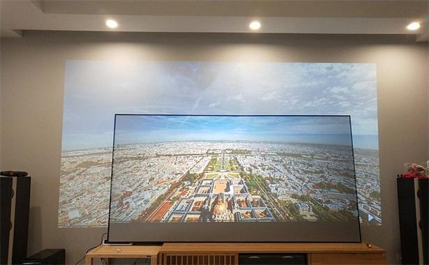 projector screen vs white wall (4).jpeg
