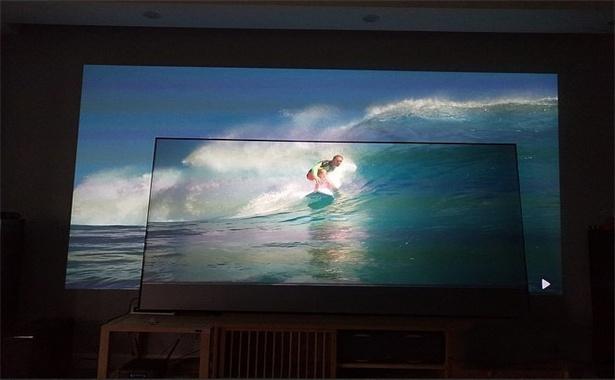 projector screen vs white wall (5).jpg